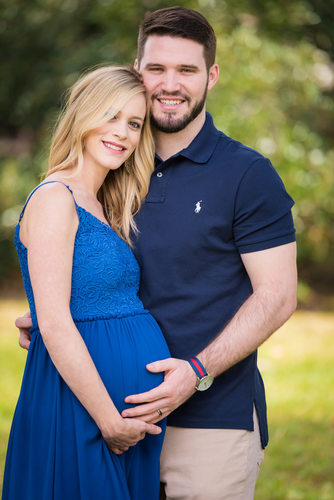 maternity pictures at the oak tree with blue dress