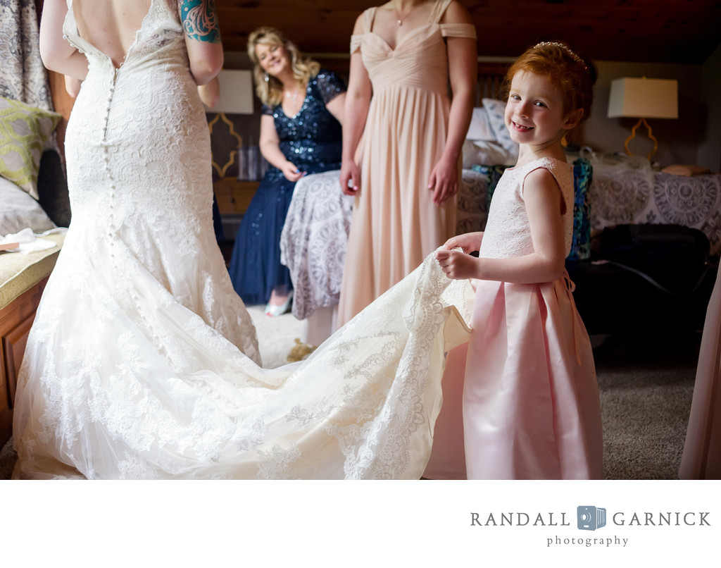 candid Zukas Hilltop Barn wedding moments