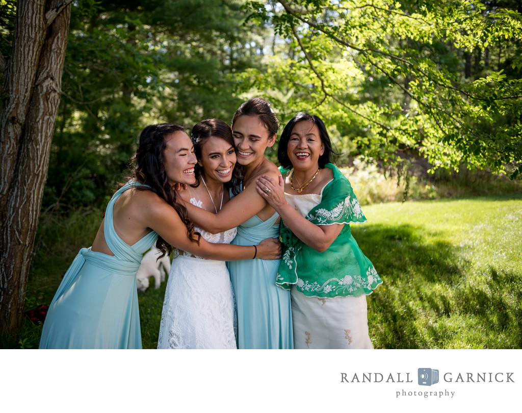 emotive and candid wedding family moment