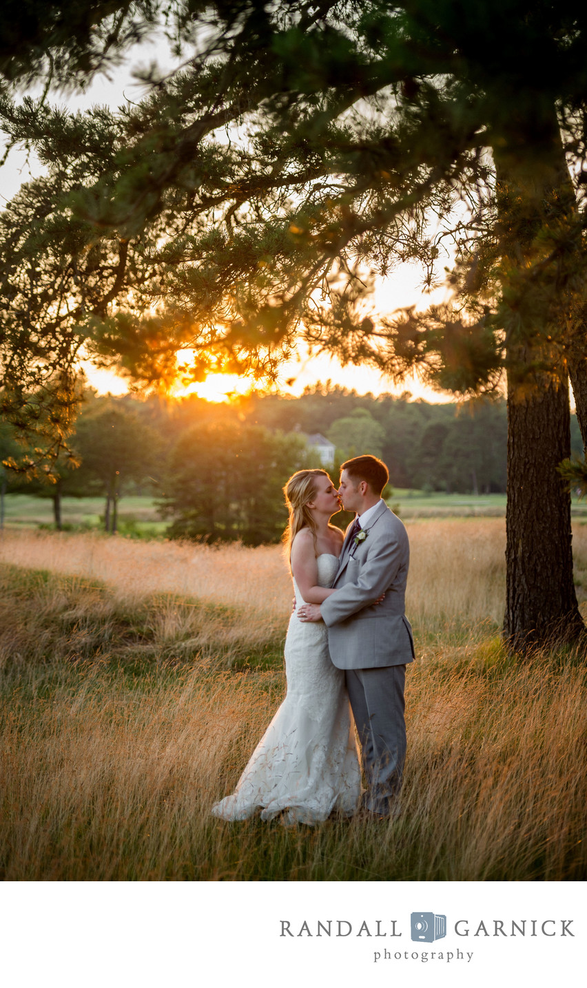 gorgeous sunset bride and groom moment at Willowbend CC