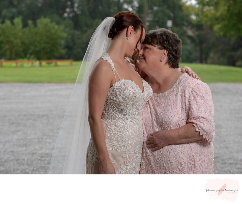 Mom & Daughter Wedding Photo