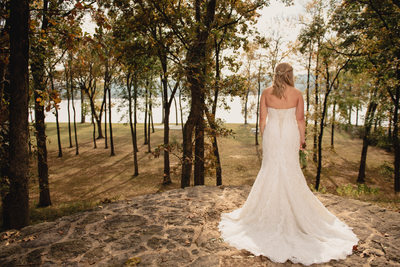 Bridal Portraits at the Park on the River