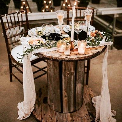 Spool tables make the perfect gift table, sweetheart table
