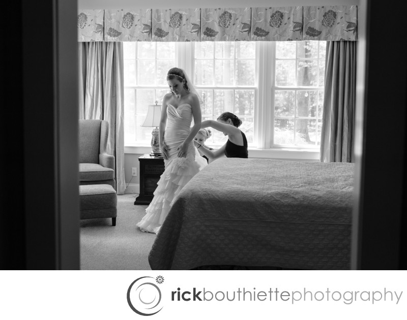 BRIDE GETTING READY - SEACOAST NEW HAMPSHIRE WEDDING