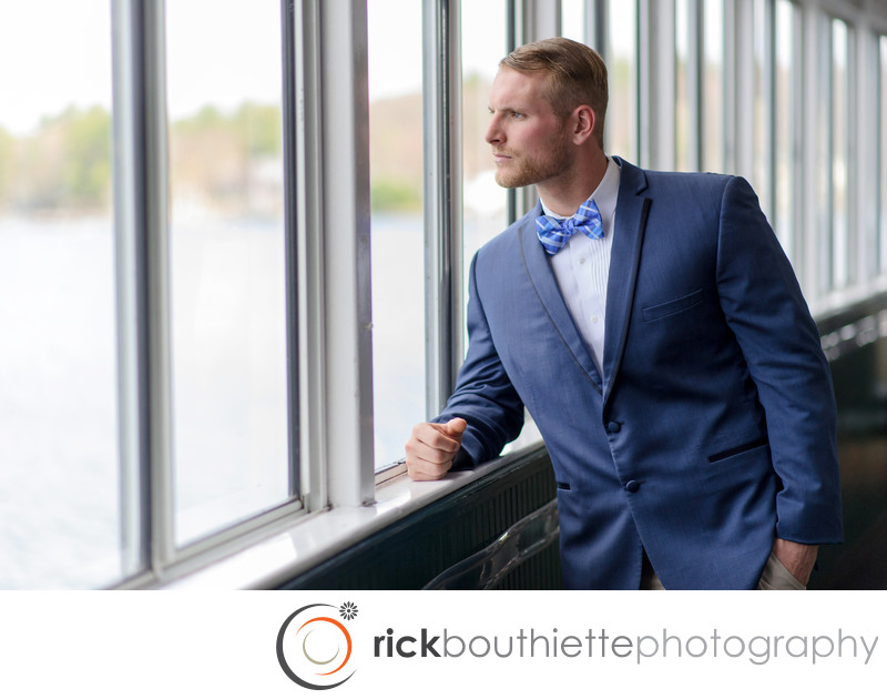 GROOM PORTRAIT IN NATURAL LIGHT