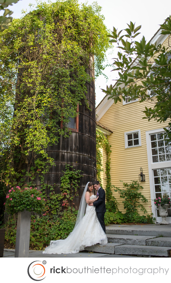 RUSTIC NEW HAMPSHIRE WEDDING AT THE BEDFORD VILLAGE INN