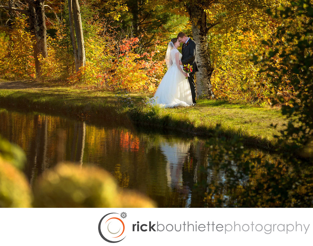 LOVE BY THE LAKE - INDIAN HEAD RESORT FALL WEDDING