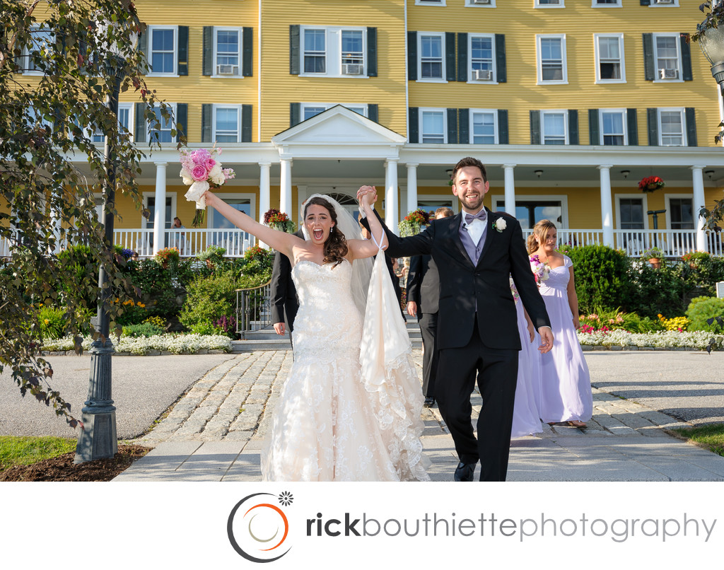 MOUNTAIN VIEW GRAND RESORT WEDDING - EXCITED BRIDE AND GROOM