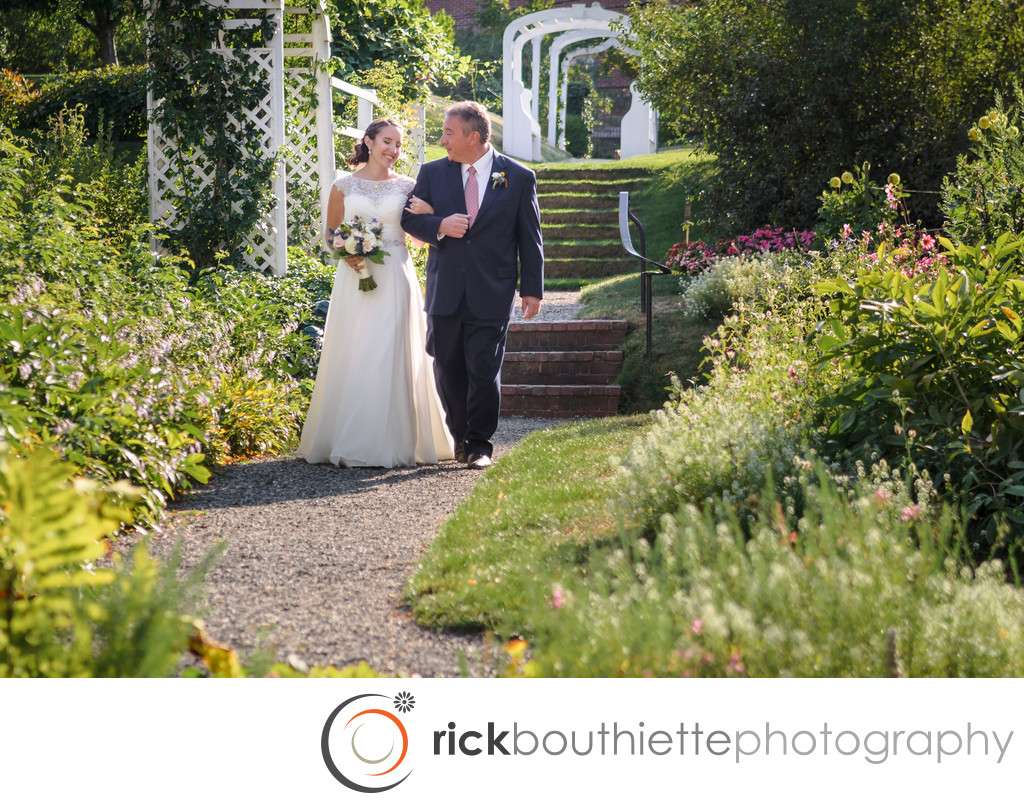 BRIDE & FATHER AT MOFFATT LADD HOUSE WEDDING CEREMONY