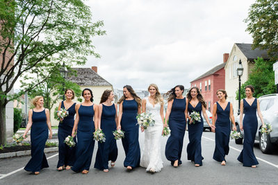 Bride And Bridesmaids Take To The Streets - Hilton Garden Inn In Portsmouth