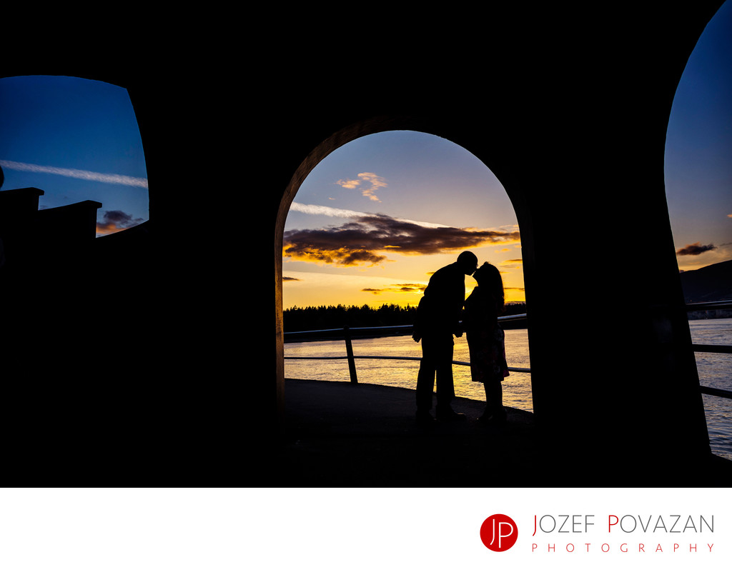 Engagement photos Stanley park cool sunset silhouette