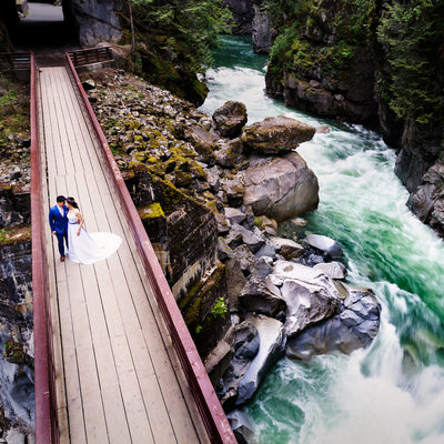 Othello Tunnels Wedding Bride Groom Photography in Wild