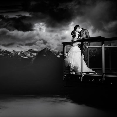 Sea to Sky Gondola Winter Wedding Photography in snow