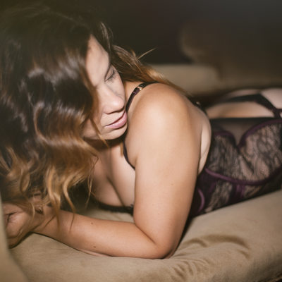 Boudoir photographer in surrey