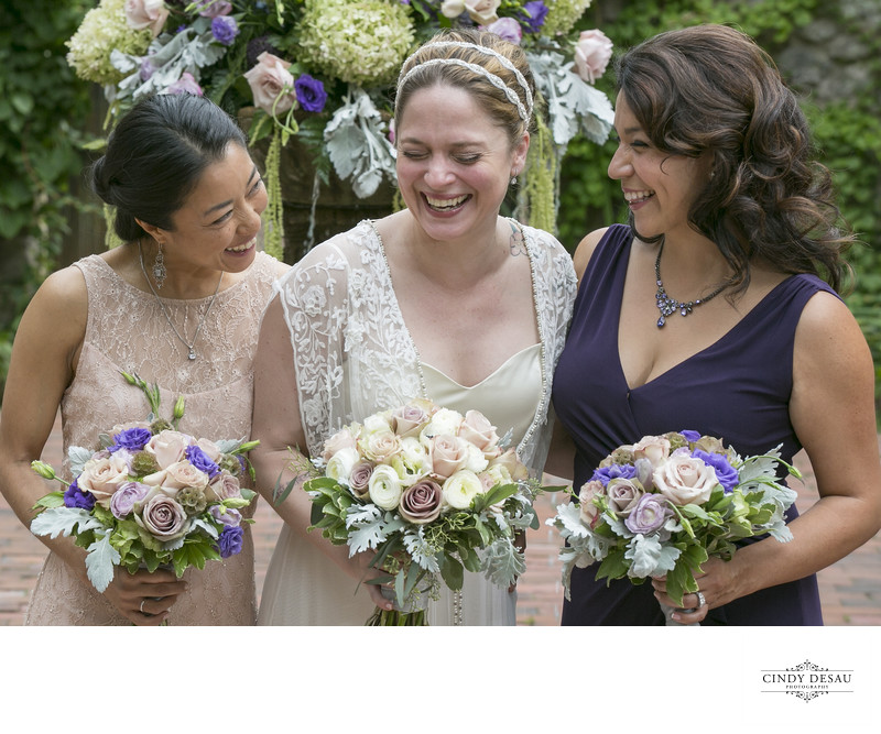Wonderful Candid Moment of Laughing Bride and Bridesmaids