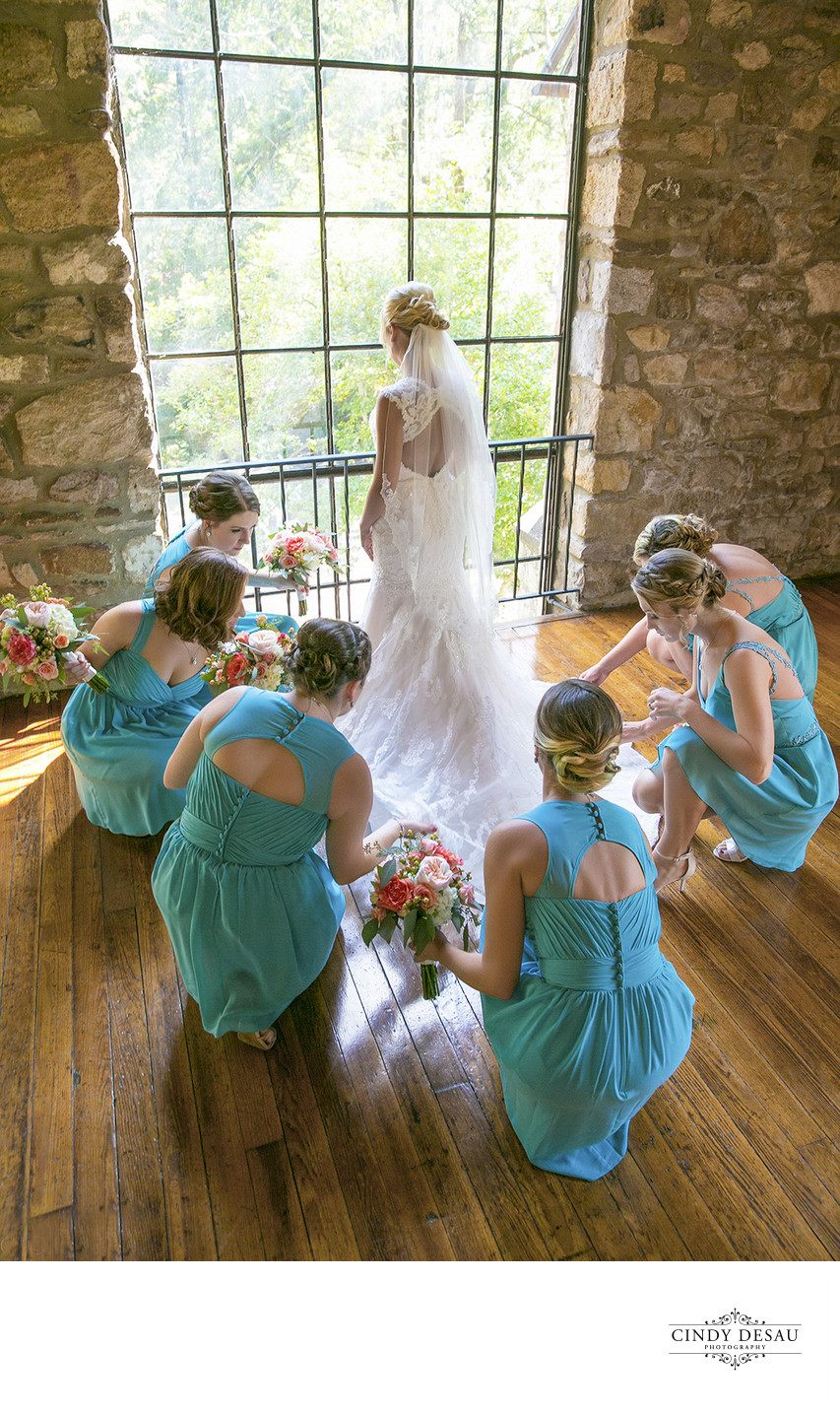 Beautiful Candid Moment of Bride with Her Bridesmaids