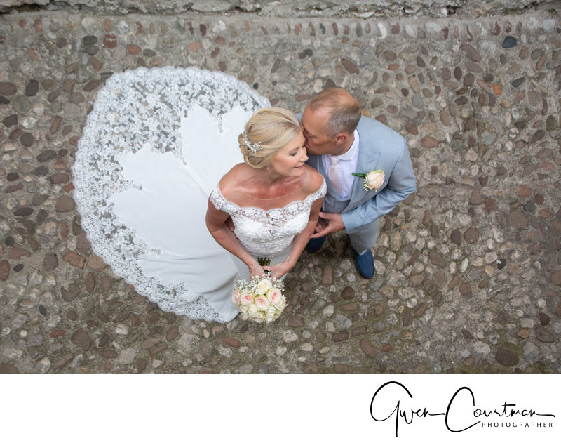 Mature wedding photography in Italy.