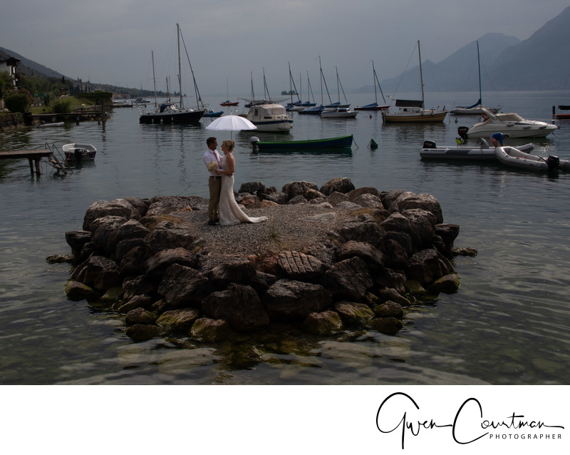 Malcesine wedding Julia Adrian love island in the rain