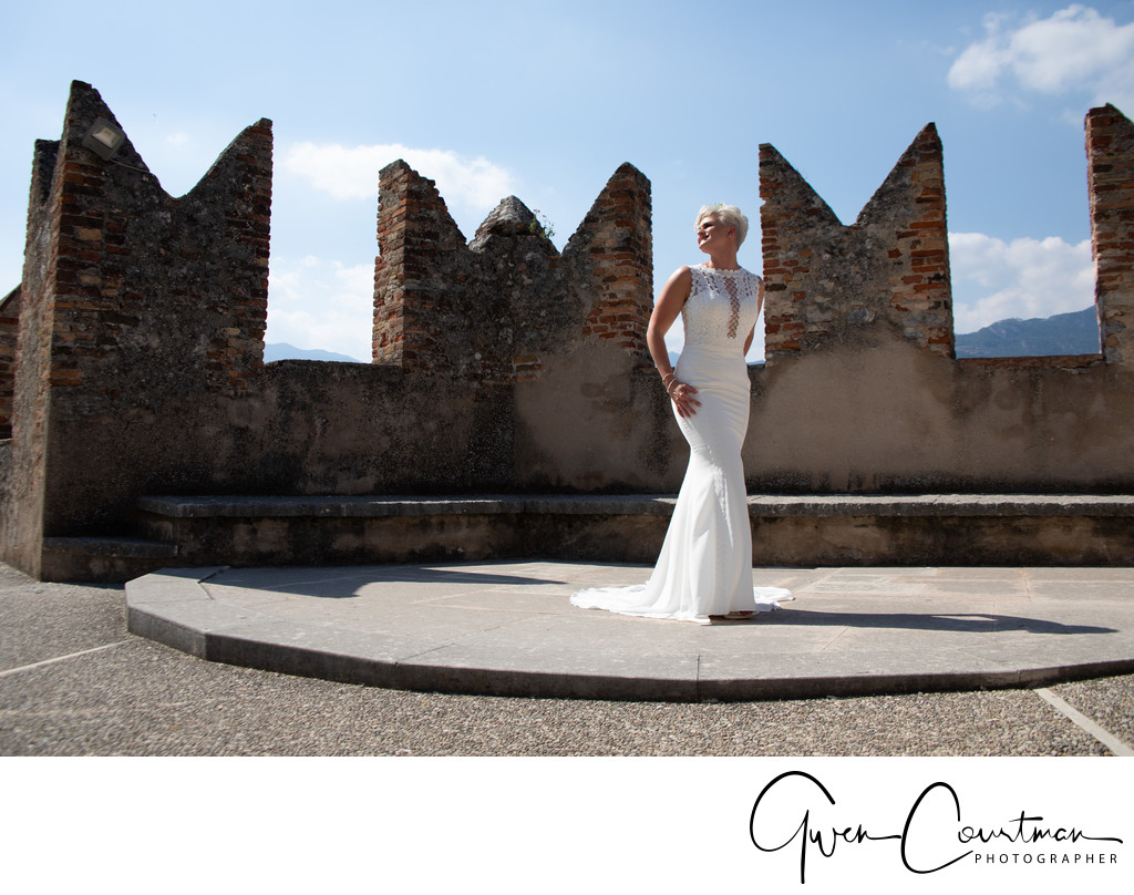 Tom and Em, Wedding Poses in Malcesine Castle, Italy
