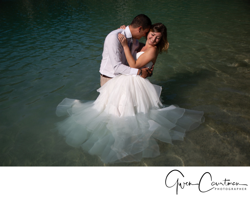 Drown the gown trash the dress session Italy.