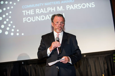 Nonprofit's fundraising dinner photo coverage