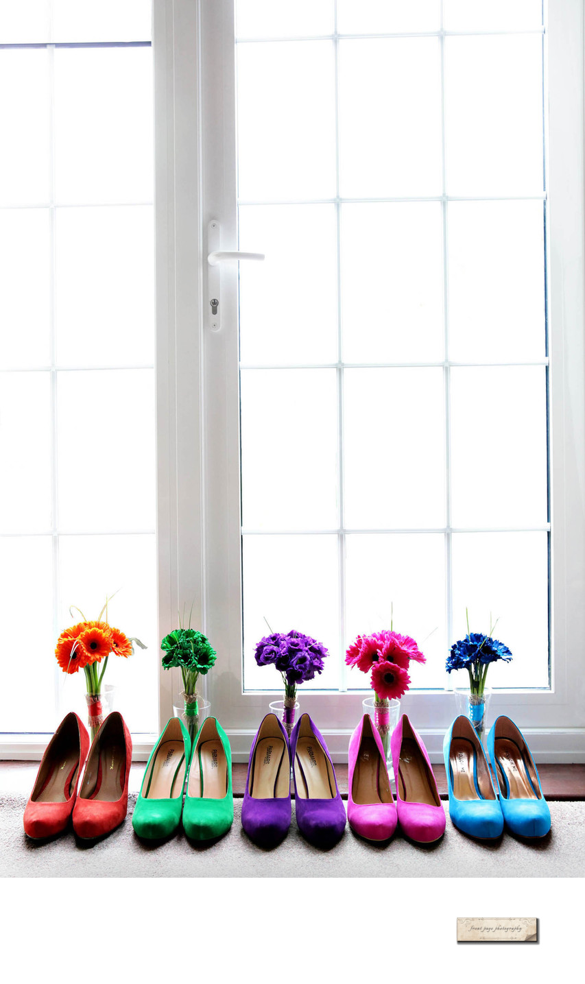 Bridesmaid's shoes and flowers on wedding day