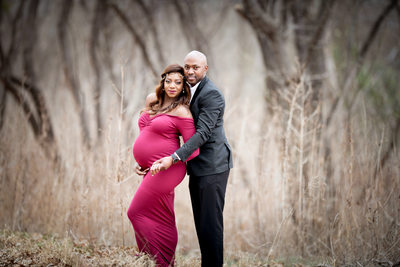 Outdoor photography locations for maternity sessions