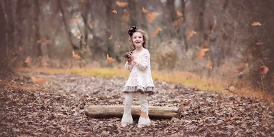 Children's fall photos ideas outside