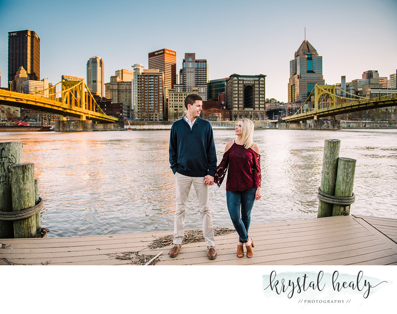 Engagement Couple in Pittsburgh PA | Krystal Healy Photography