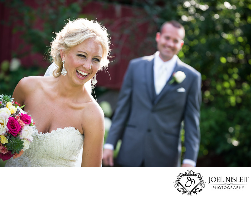 Bride and groom at Wisconsin Dells wedding barn