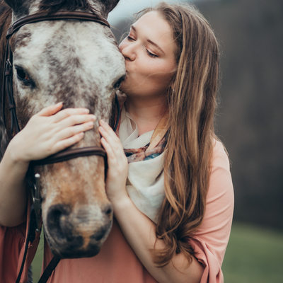 Christiansburg Senior Portraits with Horse