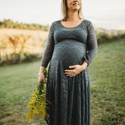Creative Maternity Portraits in Christiansburg