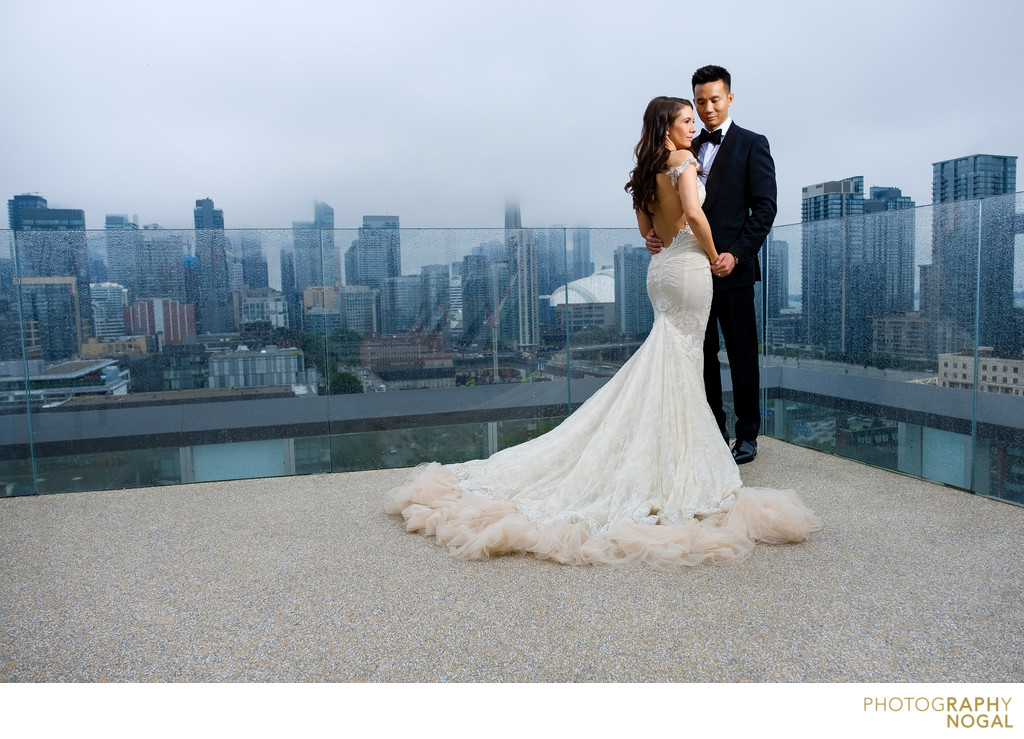 Bride and Groom on Rooftop of Thompson Hotel in Toronto