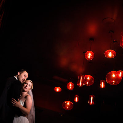 Bride and Groom at Club Inside Riviera Parque Hall