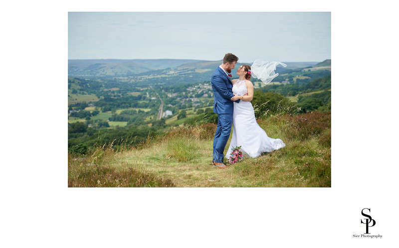 Bride and Groom at the Surprise View Derbyshire