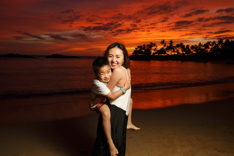 mother-son-hawaiian-sunset