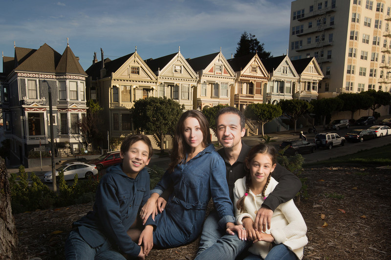 family-photo-painted-ladies-alamo-square