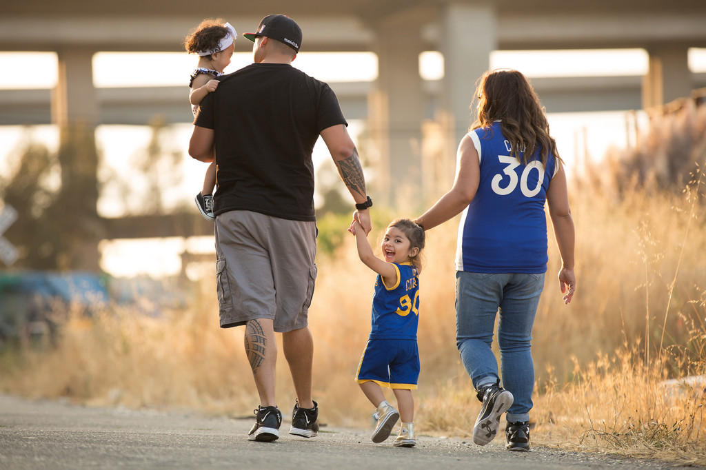 steph-curry-warriors-family-session-oakland