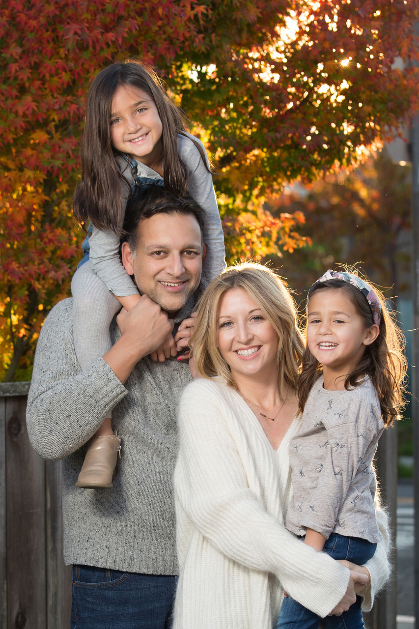 family-photo-fall-foliage-autumn-leaves
