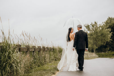 Rainy Portraits of the Bride and Groom in Pitt Meadows