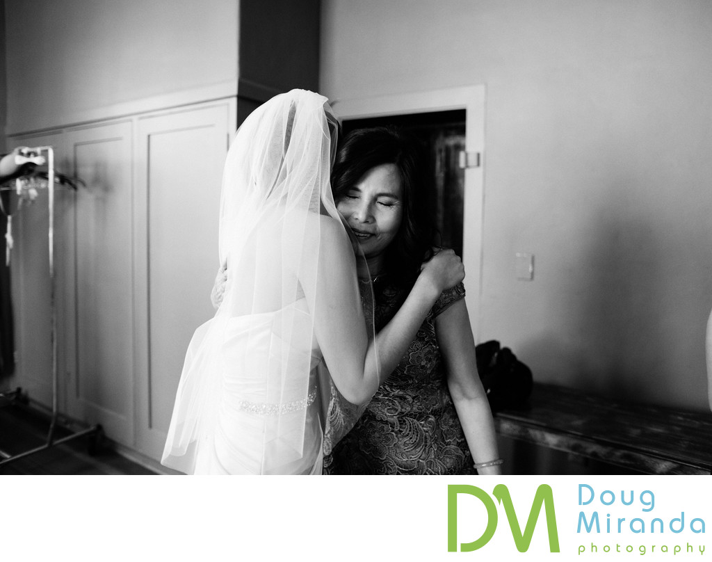 Bridal Getting Ready Pictures at Old Sugar Mill