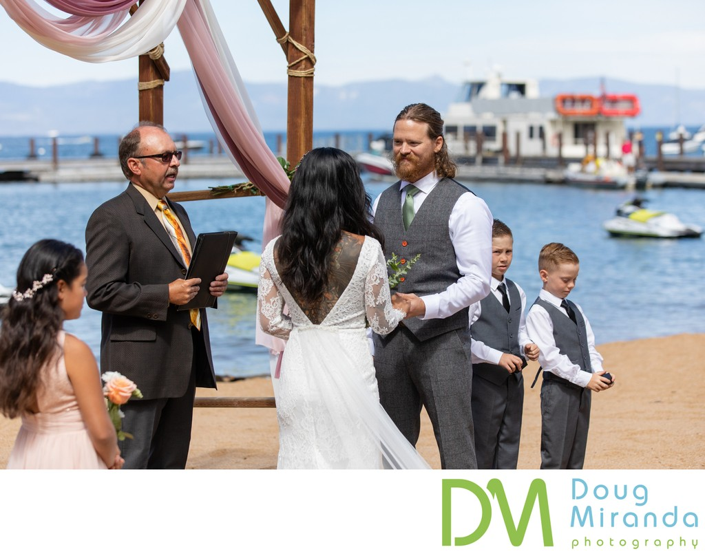 Round Hill Pines Beach Wedding Ceremony Pictures