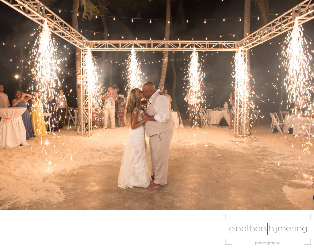 First dance fireworks aruba wedding photographer elnathan first dance fireworks junglespirit Gallery