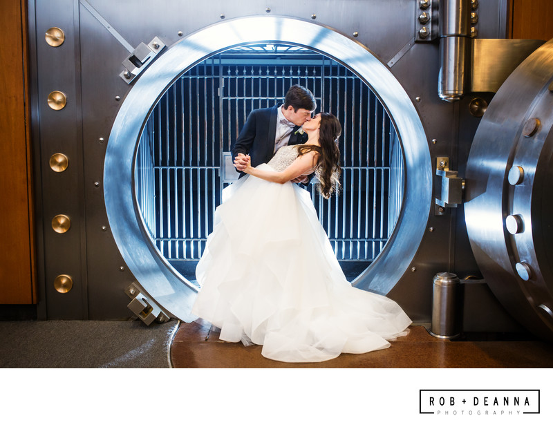 Memphis Wedding Photographer The Columns Memphis Safe
