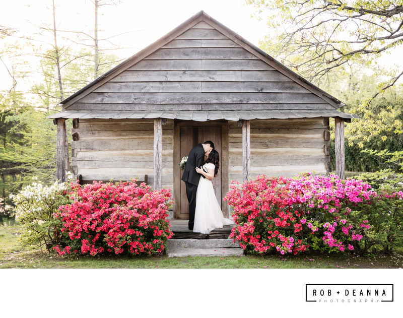 Memphis Wedding Photographer Heartwood Hall Kiss