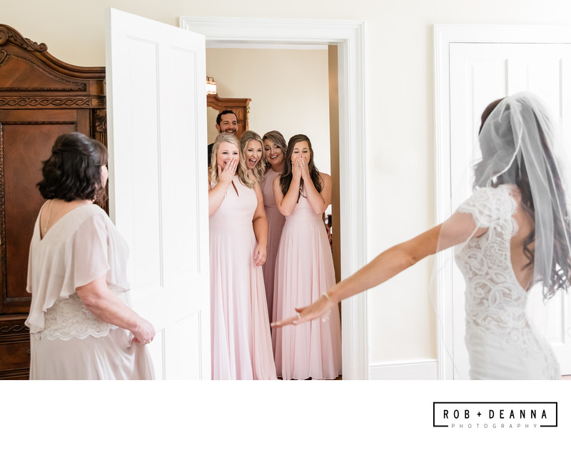 Memphis Wedding Photographer Hunt Phelan Bridesmaids