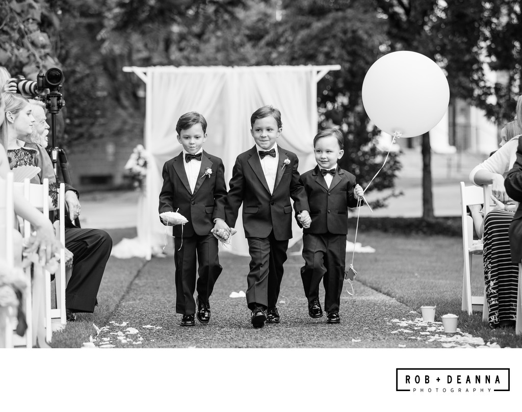 Memphis Wedding Photographer Hunt Phelan Ring Bearers