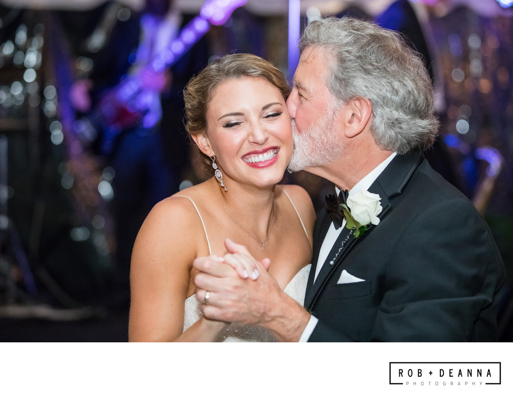 Memphis Wedding Photographer Annesdale Mansion Dad Kiss