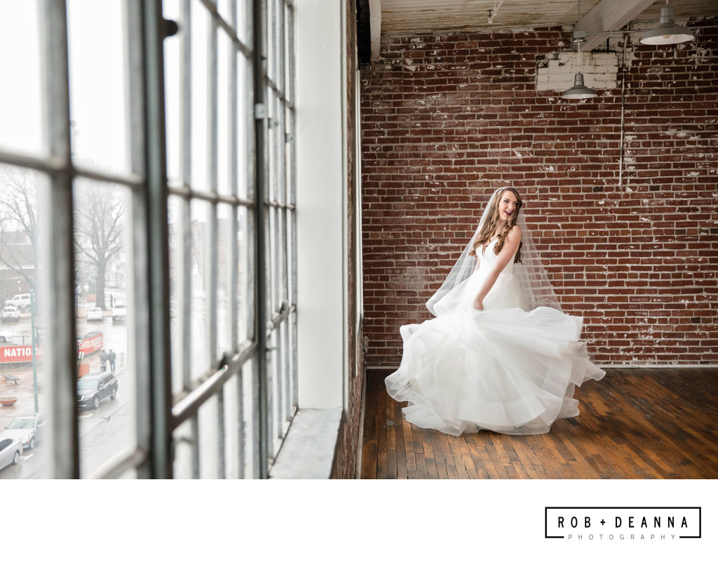 Memphis Wedding Photographer 409 South Main Twirl