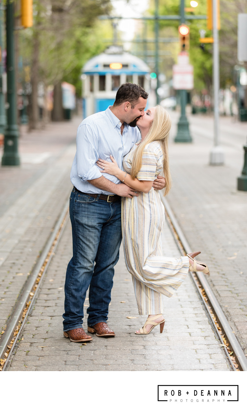 Memphis Wedding Photographer Gin at Nesbit Downtown Main Street
